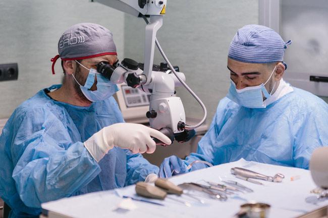 implantes y dientes fijos en un dia sevilla